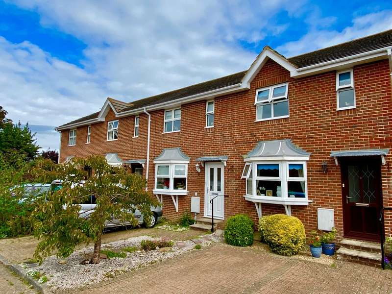 2 Bedrooms Terraced House for sale in Somerset Road, Ryde