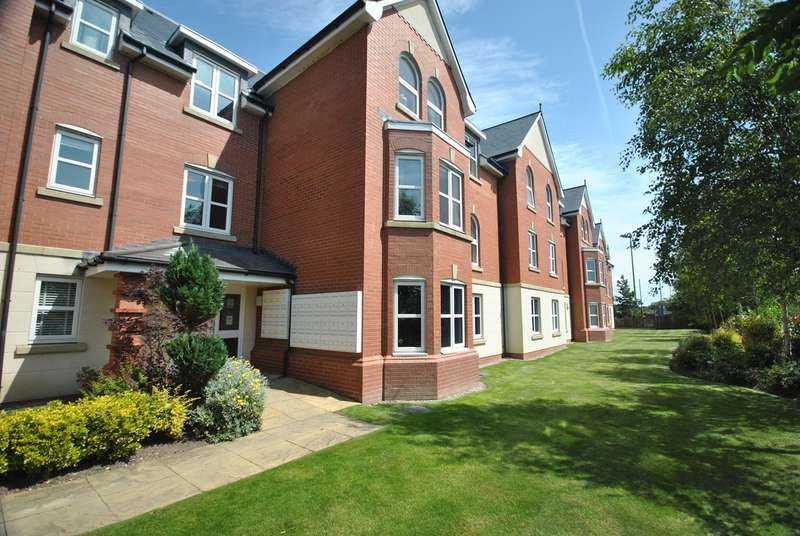 2 Bedrooms Apartment Flat for sale in Woodlands View, Lytham St Annes, FY8