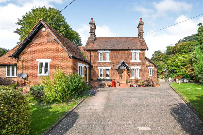 4 Bedrooms Detached House for sale in School Lane, Abbess Roding, Ongar, Essex