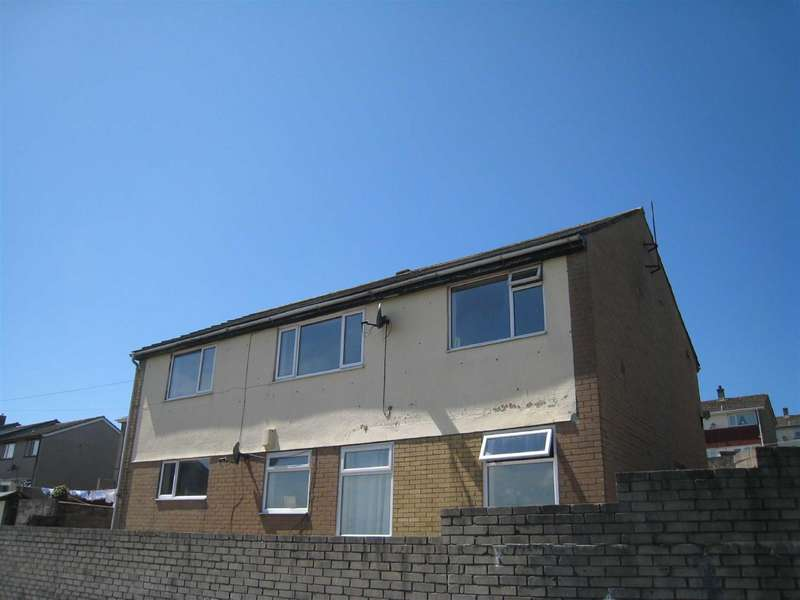3 Bedrooms Flat for rent in The Willows, Orgill, Egremont