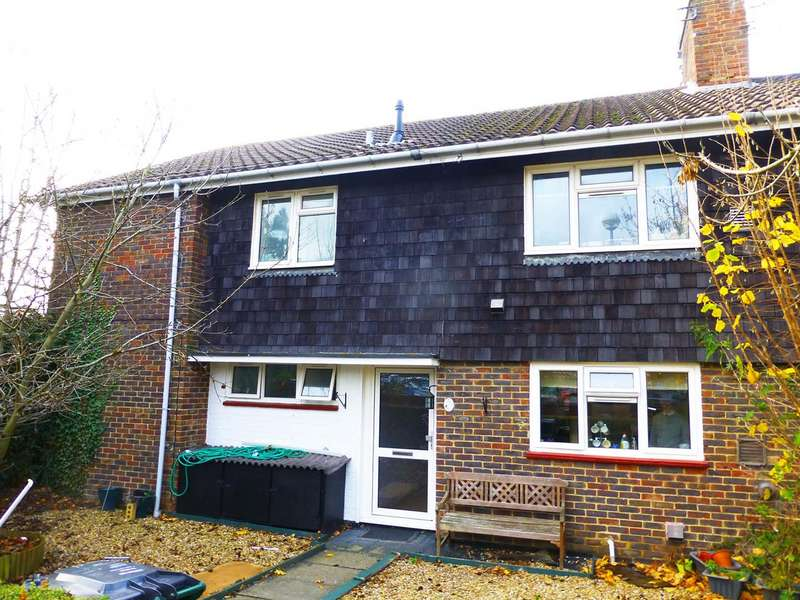 2 Bedrooms Maisonette Flat for sale in Martyrs Avenue, Crawley