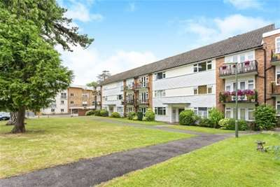 2 Bedrooms Flat for rent in Lindfield Gardens, Guildford