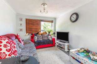 2 Bedrooms Flat for sale in Hartnup Street, Maidstone, Kent