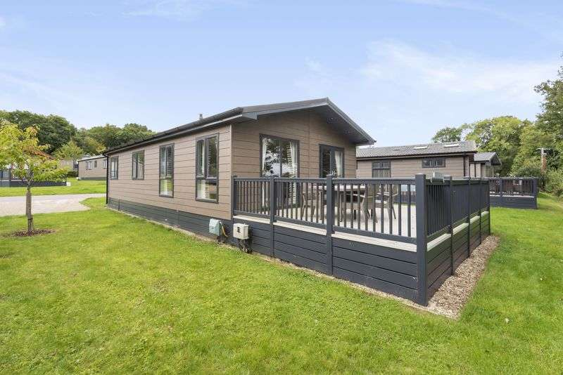 2 Bedrooms Property for sale in Hawkchurch Resort and Spa, Axminster, EX13