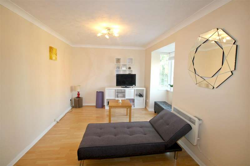 1 Bedroom Apartment Flat for sale in The Springs, Hertford