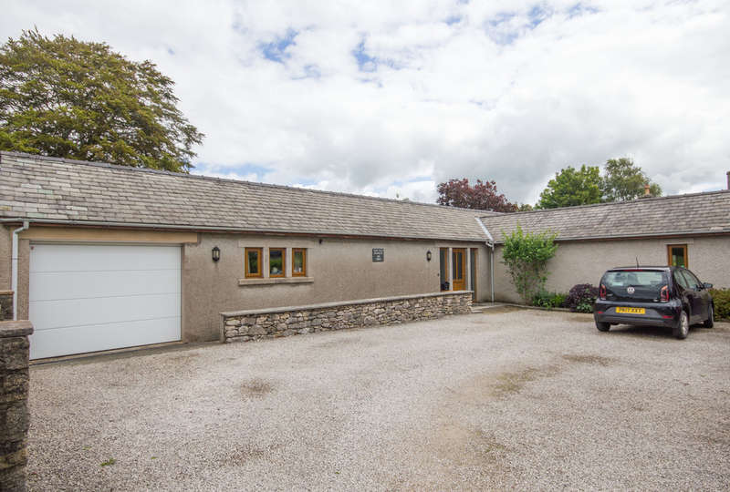 3 Bedrooms Semi Detached Bungalow for sale in Dock Acres, Warton, Carnforth, Lancashire
