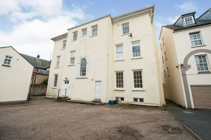 2 Bedrooms Apartment Flat for sale in Monk Street, Monmouth