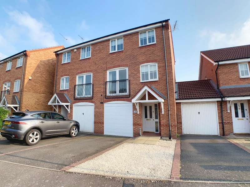 3 Bedrooms Terraced House for sale in Wilmhurst Road, Warwick