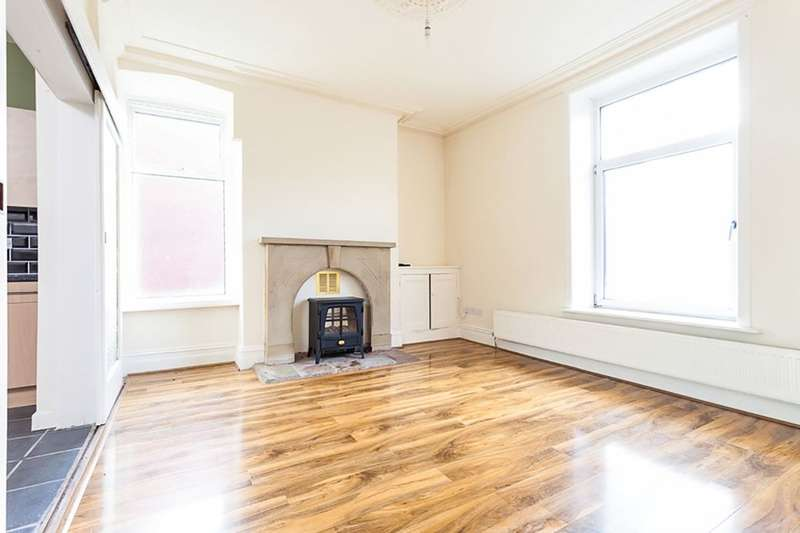 3 Bedrooms Property for sale in Greenway Street, Darwen, BB3