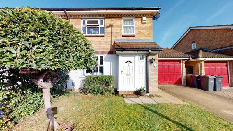 3 Bedrooms Semi Detached House for sale in Kempsey Close, Luton