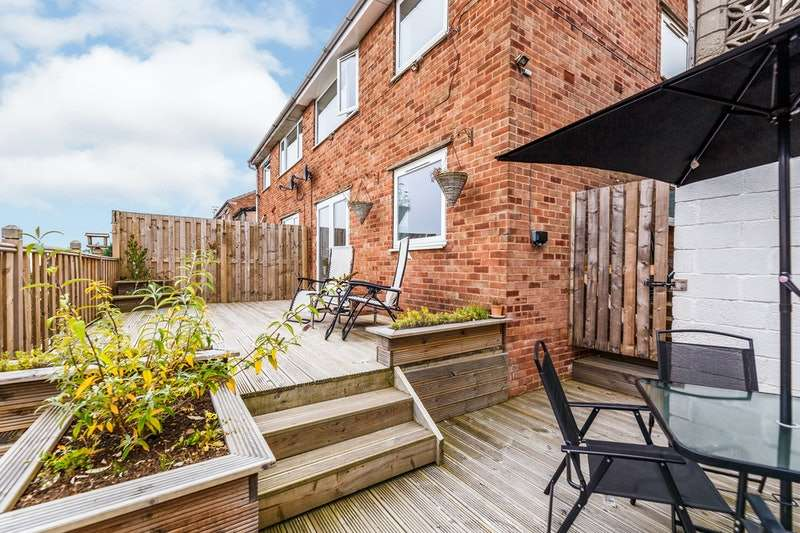 3 Bedrooms Semi Detached House for sale in Sandstone Avenue, Sheffield, South Yorkshire, S9
