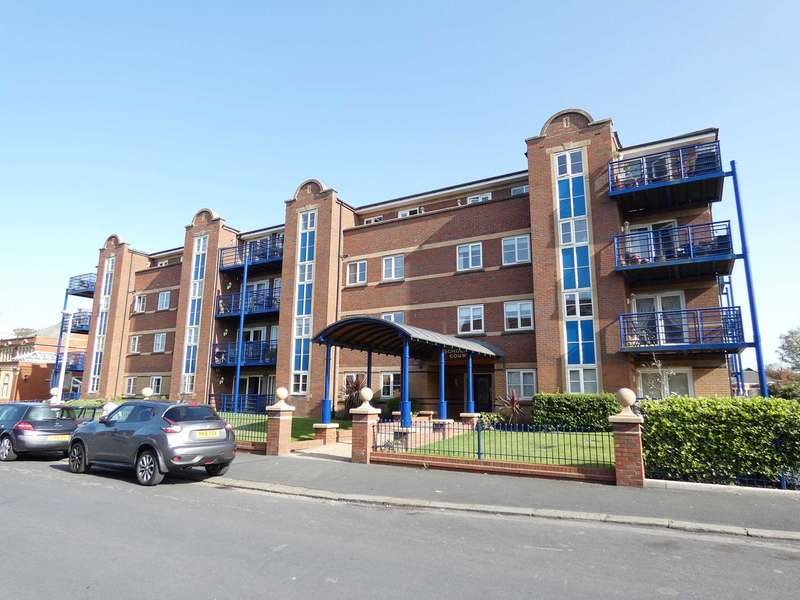 2 Bedrooms Apartment Flat for sale in Scholars Court, Kings Road, St Annes
