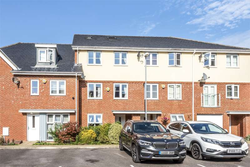 5 Bedrooms Terraced House for sale in Yoxall Mews, Redhill, Surrey, RH1