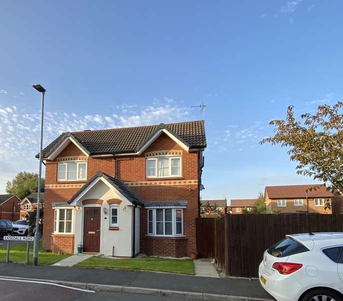 3 Bedrooms Semi Detached House for sale in Easedale Road, Manchester, Greater Manchester, M40