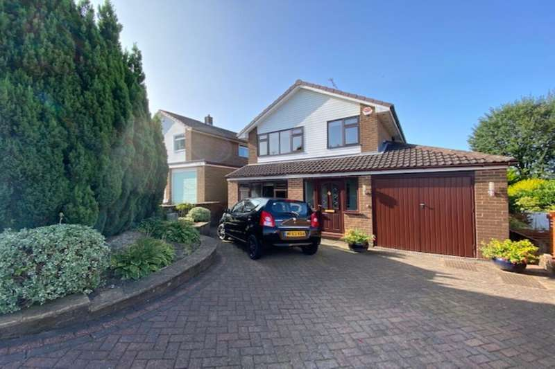 3 Bedrooms Detached House for sale in Horncliffe Close, Rossendale, BB4