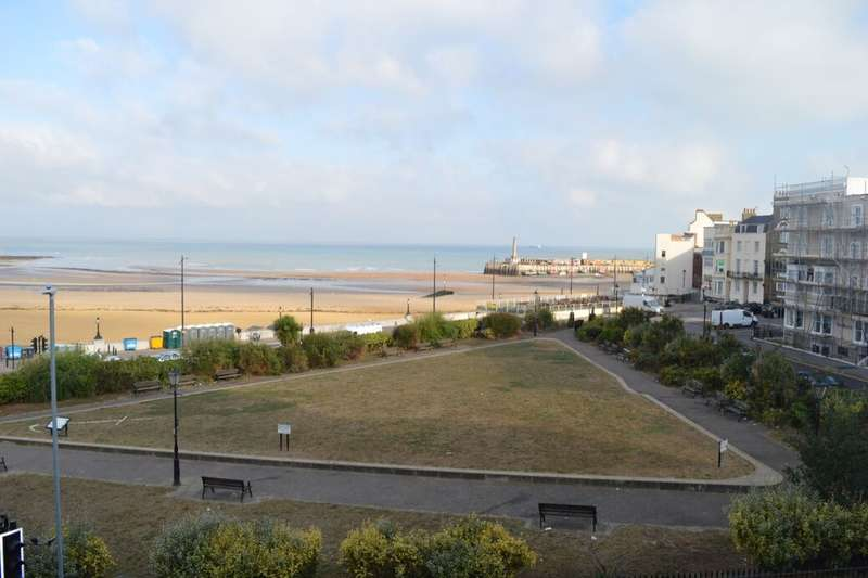 1 Bedroom Flat for sale in Marine Gardens, Margate, CT9