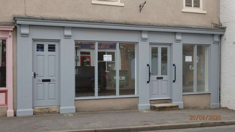 Commercial Property for rent in High Street, Epworth, Doncaster, South Yorkshire, DN9 1EX
