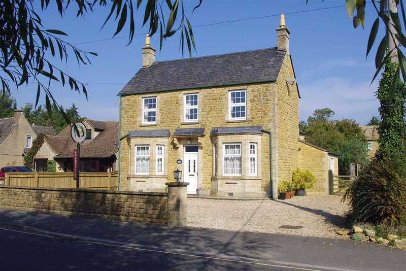5 Bedrooms Detached House for sale in Lansdowne, Bourton-on-the-Water, Gloucestershire