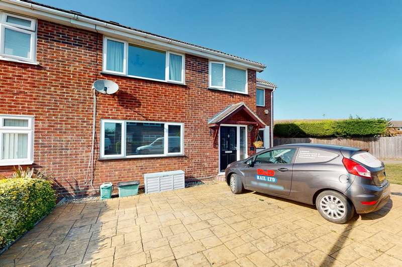 4 Bedrooms Semi Detached House for sale in Keable Road, Marks Tey