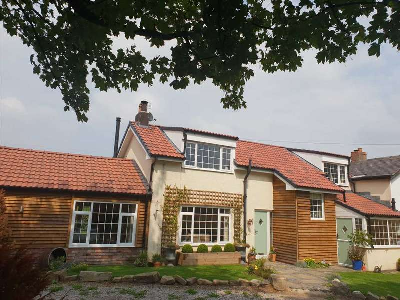 4 Bedrooms Cottage House for sale in Moss Farm Cottage, Westhoughton