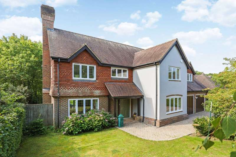 5 Bedrooms Detached House for sale in The Kilns, Frith End, Binstead