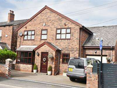 4 Bedrooms Detached House for sale in Medlock Road, Manchester