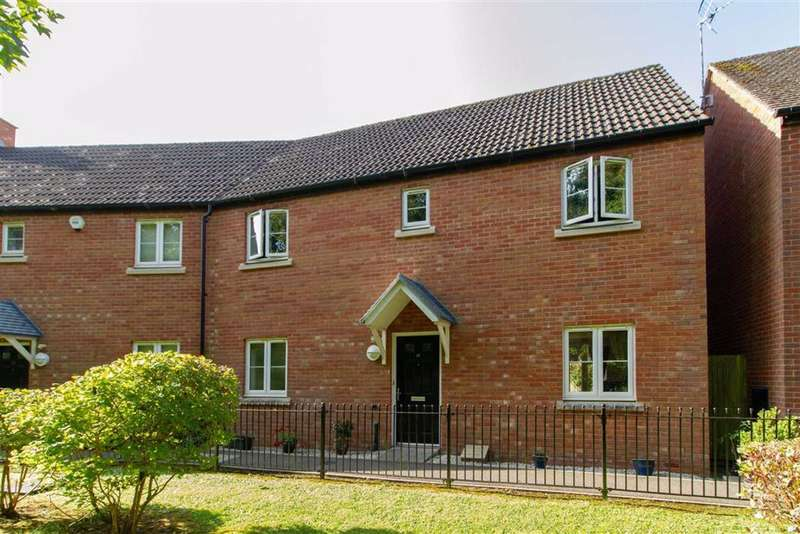 4 Bedrooms Semi Detached House for sale in The Rope Walk, Dursley, GL11