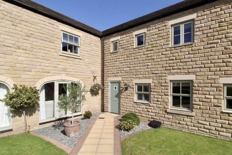 4 Bedrooms Terraced House for sale in Thorpe Field Mews, Rotherham, South Yorkshire, S61