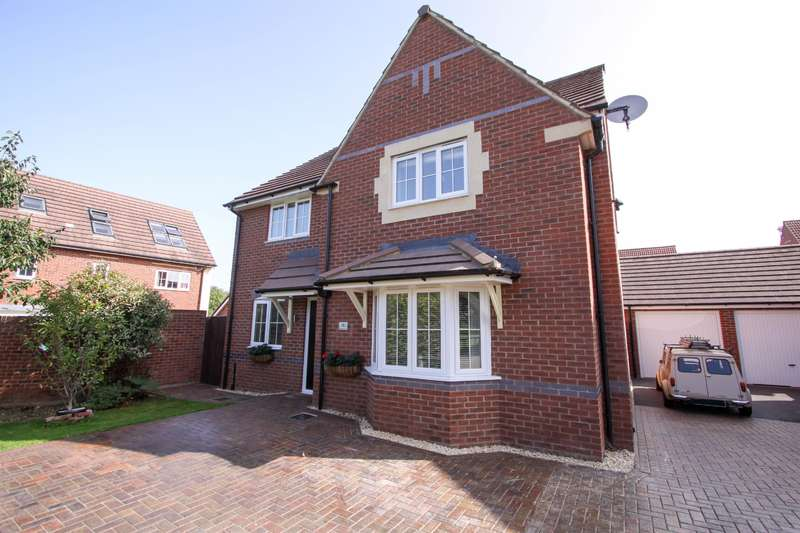 4 Bedrooms Detached House for sale in Cardington Close, Kingsway, Quedgeley, GL2 2EG