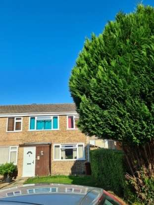 3 Bedrooms Semi Detached House for sale in Broadlands Drive, Chatham, Kent, ME5 8HJ