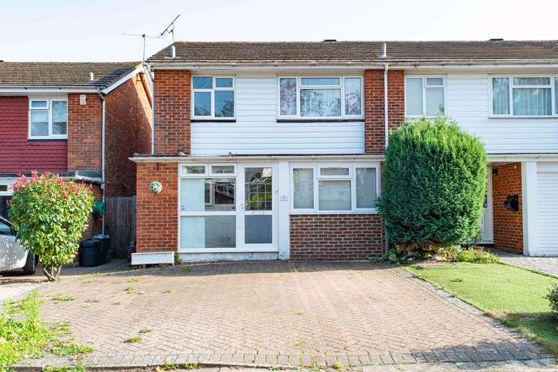 3 Bedrooms Property for sale in Spencer Close, Orpington