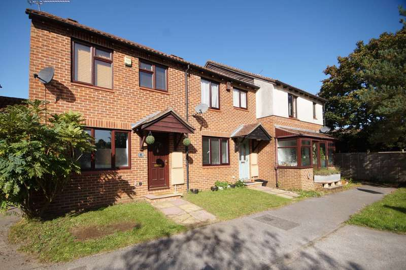 3 Bedrooms End Of Terrace House for sale in Atholl Road, Whitehill, Hampshire, GU35