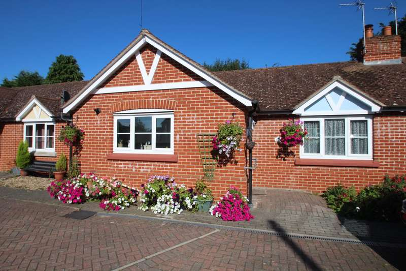 2 Bedrooms Semi Detached Bungalow for sale in COLLINGWOOD ROAD, COLCHESTER