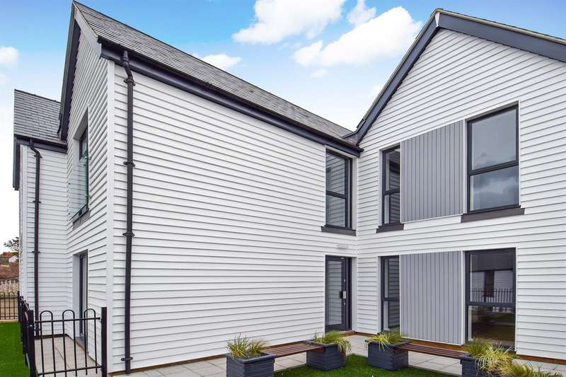 2 Bedrooms Flat for sale in The Salt Yard, 110 Cornwallis Circle, Whitstable