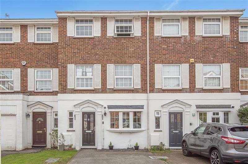 4 Bedrooms Terraced House for sale in Bishops Close, Barnet, Hertfordshire, EN5