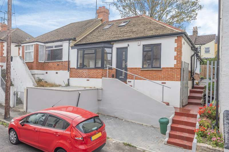 3 Bedrooms Semi Detached House for sale in Thomas Street, Rochester, ME1 2ED