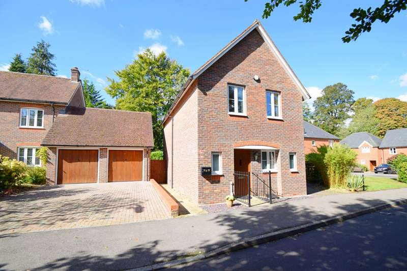 3 Bedrooms Semi Detached House for sale in Winchester