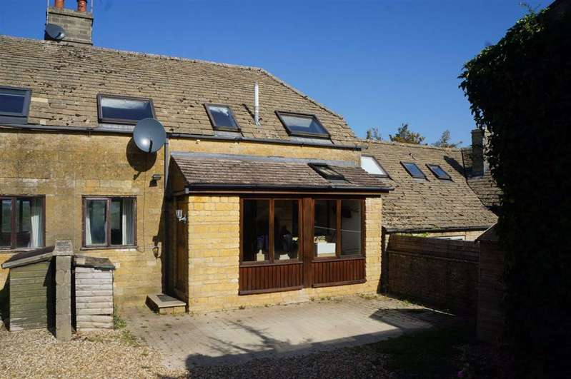 2 Bedrooms Cottage House for sale in Church Farm Cottages, Naunton, Gloucestershire