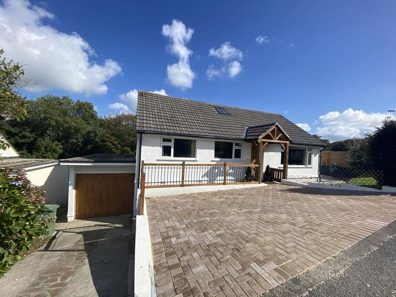 4 Bedrooms Detached Bungalow for sale in Lower Gurnick Road, Newlyn