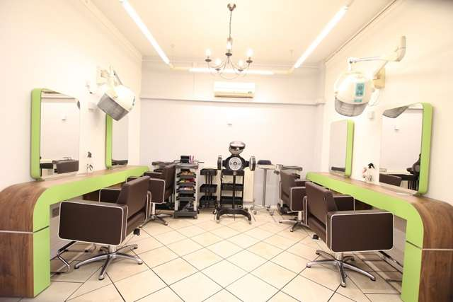 Hairdresser / Barber Shop Commercial for rent in Commercial Premises, Parkes Passage,Stourport-on-Severn