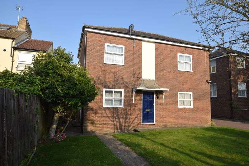 1 Bedroom Property for sale in  Icknield Villas, Dunstable