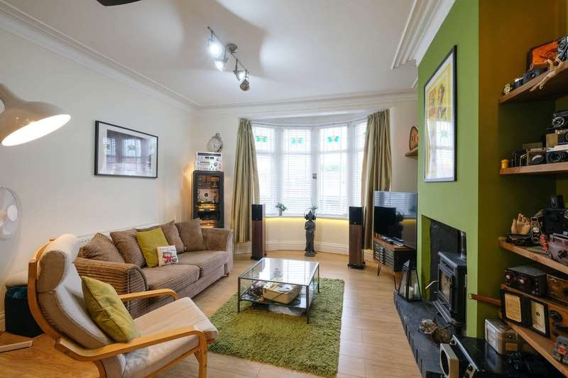 4 Bedrooms Maisonette Flat for sale in Red Bank Road, Blackpool, Lancashire, FY2