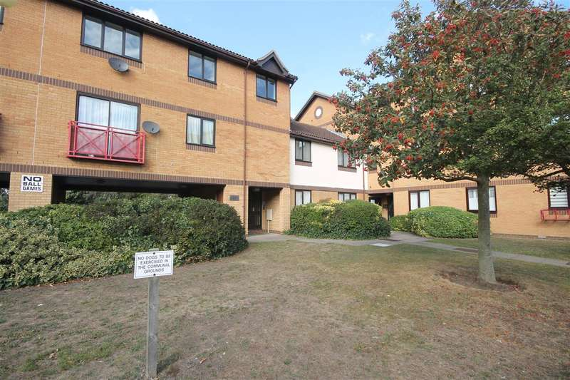 2 Bedrooms Apartment Flat for sale in Heybridge Court, Connaught Gardens East, East Clacton
