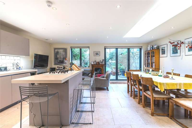 4 Bedrooms Semi Detached House for sale in Rossiter Road, London, SW12