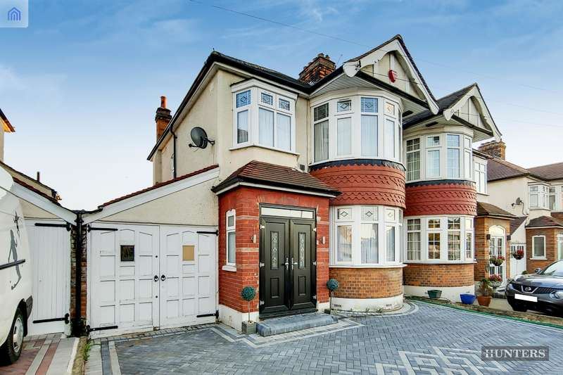 3 Bedrooms Semi Detached House for sale in Eastern Avenue West, Chadwell Heath, RM6