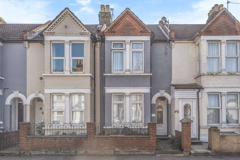 3 Bedrooms Terraced House for sale in Rainham Road, Chatham