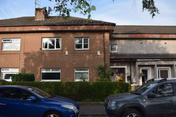 3 Bedrooms Flat for sale in 227 Nitshill Road, Nitshill, G53