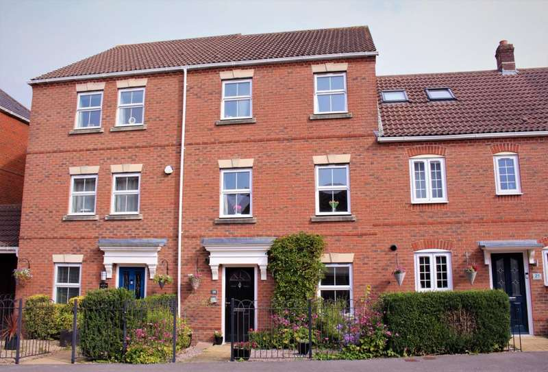 4 Bedrooms Town House for sale in Beggarwood, Basingstoke, RG22