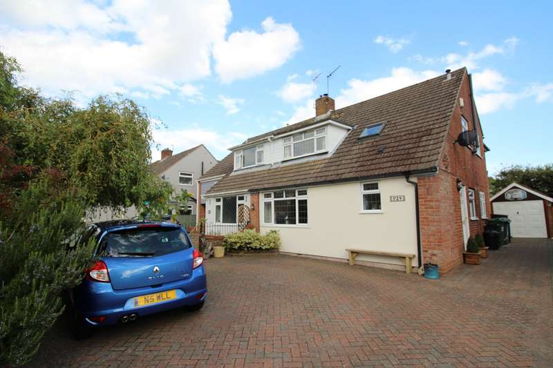 4 Bedrooms Semi Detached House for sale in Roundway, Waterlooville, Hampshire, PO7