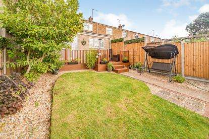 3 Bedrooms Terraced House for sale in Grace Way, Stevenage, Hertfordshire